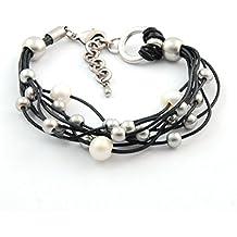 Pulsera cuero, perlas y zamak bañado en plata. 8 cordones 1,5 mm y 3 perlas cultivadas