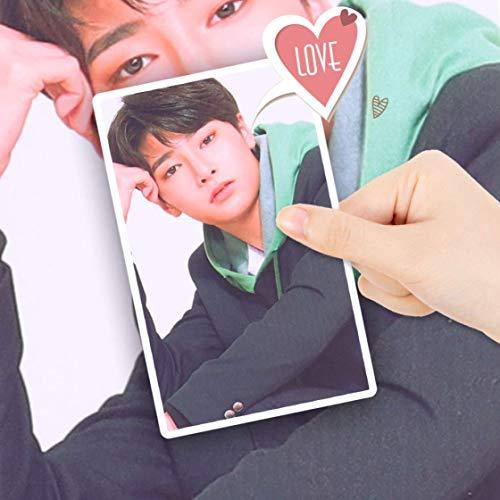 Zhengao Einsatzfähiger Kpop Stray Kinder Lomo Karte Set Have 1 Hanf Seil 8 Holz Clips 6 Pushpins 1 Ecke Aufkleber Nicht Wiederholung 3-inch Foto HD Bildern Hot Geschenk für Fans -