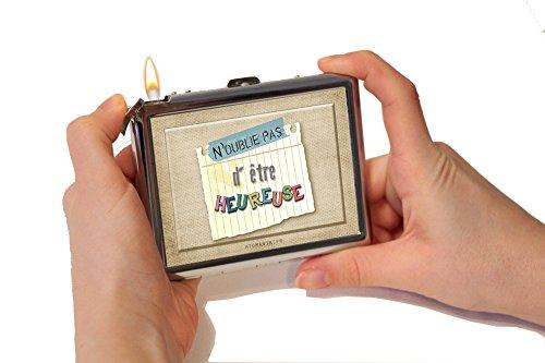 """Etui métal pour Cigarettes avec Briquet Rechargeable Idée cadeau Originale pour Femme – anniversaire Fête des mères - """"N'oublie pas d'être heureuse chaque jour"""""""