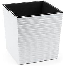 Kreher XXL Design Pflanzkübel aus Kunststoff in Matt Weiß mit Einer Wellen Struktur und mit Herausnehmbaren Einsatz. Maße BxTxH in cm: 40 x 40 x 41 cm
