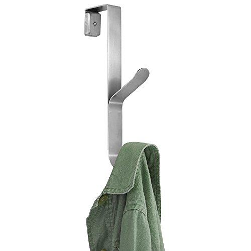 mDesign Türgarderobe – Hakenleiste zum Einhängen in die Tür – mit 2 Haken für Mäntel, Jacken, Bademäntel, Handtücher in Flur und Bad – rostfreier Stahl, gebürstet