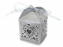 Idea Regalo - Scatola portaconfetti bomboniera in carta con intagli a cuore. Disponbile in colore bianco o glitter argento (Glitter argento)