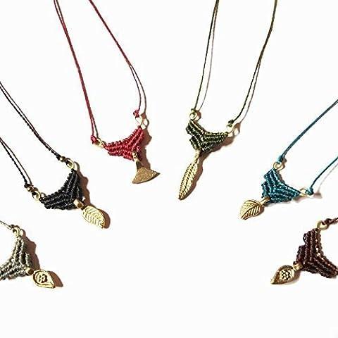 Kleine Macramé Halskette mehrere Farben erhältlich, lang einstellbar bis zur Brust, so dass Sie die gewünschte Größe setzen können.