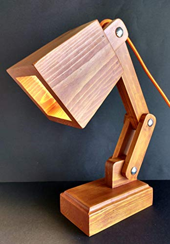 Lámpara flexo led para escritorio de madera reciclada de palet hecho a mano