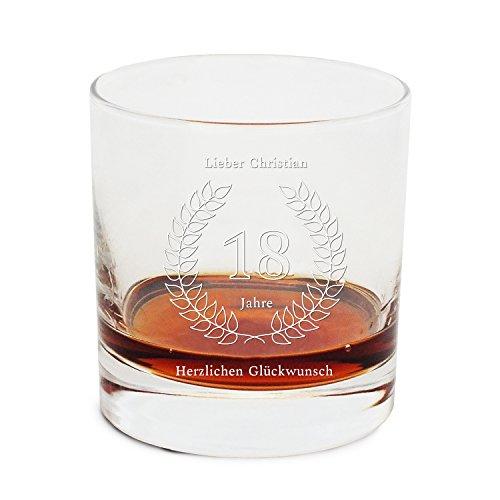 Geschenke.de Personalisierbares Whisky Glas mit Gravur Namen - Geschenk zum 18 Geburtstag Jungen, personalisiertes Whiskyglas als cooles Geschenk 18 Geburtstag