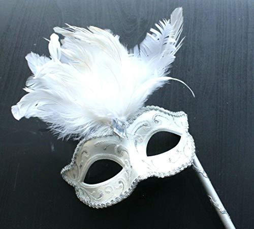 Weiß und Silber Venezianische Maskerade Partei Karneval Maske und Federn auf Einem Stick/Stock