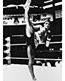 JEAN-CLAUDE VAN DAMME AS KURT SLOANE FROM KICKBOXER #1 - Photo cinématographique en noir et blanc- STANDARD - 25x20cm