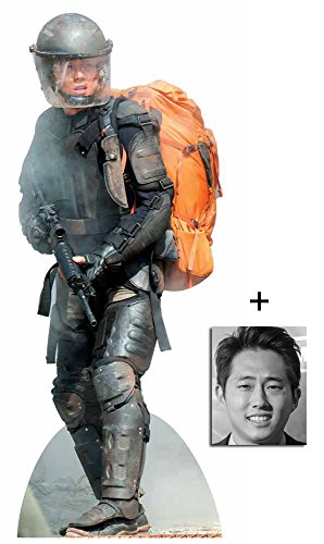 Preisvergleich Produktbild Glenn Rhee (Steven Yeun) The Walking Dead Lebensgrosse Pappaufsteller mit 25cm x 20cm foto