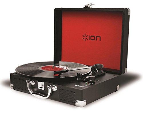 ION Audio Vinyl Motion - Platine Vinyle Portable Style Valise Rétro avec 3 Vitesses (33, 45 et 78 Tours) et Enceintes Stéréos Intégrées, Batterie Rechargeable et Conversion USB