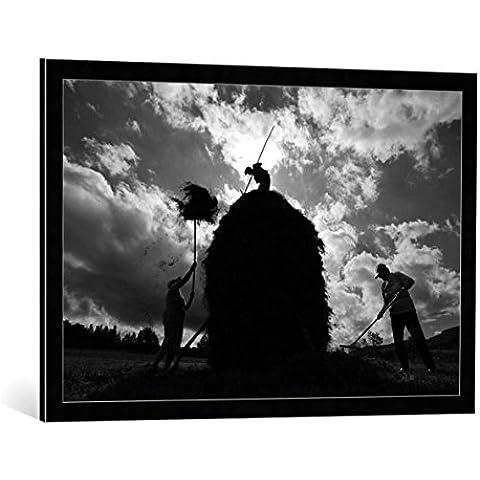 """Quadro con cornice: Vlad Dumitrescu """"capita (the haystack)"""" - stampa artistica decorativa, cornice di alta qualità, 90x60 cm, nero / angolo grigio"""