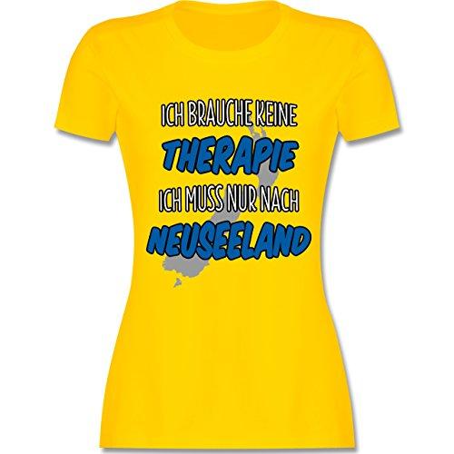 Länder - Ich brauche keine Therapie ich muss nur nach Neuseeland - tailliertes Premium T-Shirt mit Rundhalsausschnitt für Damen Gelb