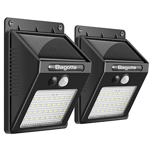 Luz Solar Jardín, Bagotte 32 LED Foco Solar Exterior con Sensor de Movimiento Luces solares Impermeable Inalámbrico Lámparas Solares Pared Seguridad 3 Modos Inteligente Lámparas solares(2 Piezas)