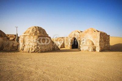"Leinwand-Bild 120 x 80 cm: \""Abandoned decoration from film \""Star Wars\"" (Tatooine planet), Sa\"", Bild auf Leinwand"