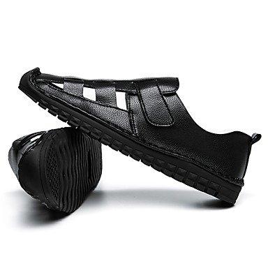 Los hombres sandalias zapatos de suela de cuero de agujero de luz Primavera Verano casual al aire libre magia cinta talón plano blanco negro Zapatos para caminar US7.5 / EU39 / UK6.5 / CN40