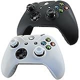 Pandaren® Piel Fundas Protectores para el Mando Xbox One x 2 + pulgar agarre thumb grip x 4(blanco + negro)