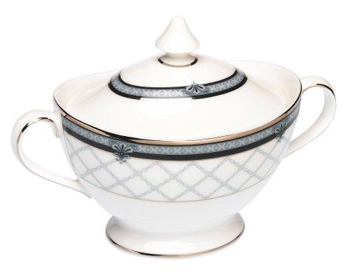 Royal Doulton Countess 12-ounce Covered Sugar Bowl by Royal Doulton Royal Doulton Covered Sugar Bowl