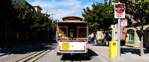 Panoramic Images - Cable car on a track on the street San Francisco San Francisco Bay California USA Photo Print (76,20 x 33,02 cm)