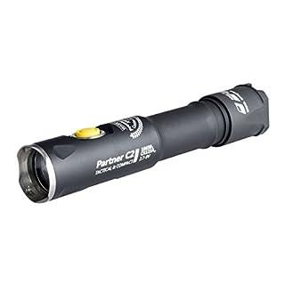 Armytek Partner C2 Pro XHP35 (weiß) - 2100 LED Lumen - Taschenlampe, Clip & Schlaufe