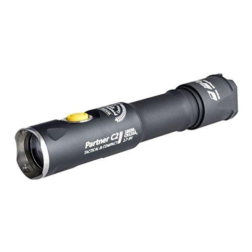 Armytek Partner C2 Pro XHP35 (weiß) - 2100 LED Lumen - Taschenlampe, Clip & Schlaufe -