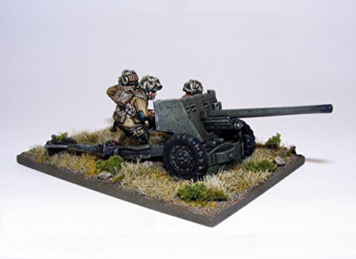 Tank & Crew Miniatures by Warlord Games ()