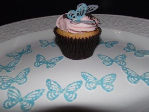 (25 vorgeschnittenen blauen und weißen Tupfen essbare Schmetterling-Kuchen-Deckel-Dekorationen)