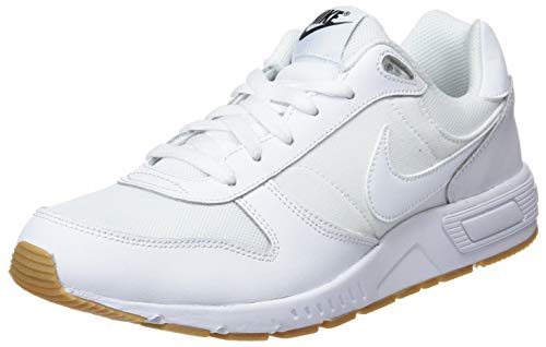 Nike Nightgazer, Scarpe da Ginnastica Basse Uomo, Multicolore White/Gum Light Brown/Black 101, 41 EU