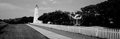 The Poster Corp Panoramic Images - Low Angle View of a Lighthouse Ocracoke Lighthouse Ocracoke Island North Carolina USA Kunstdruck (15,24 x 45,72 cm) -