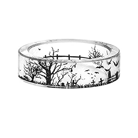 Women Stylish Ring Of Trees Within a Scenario Of Transparent