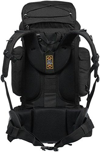 9cec5a91b0 AmazonBasics - Zaino da escursionismo con telaio interno e cerniera  antipioggia, 65 L, Nero. Visualizza le immagini
