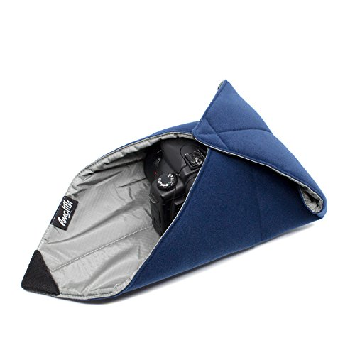 Amolith Einschlagtuch (Gepolsterte Schutzhülle) als Schutz für kleine bis mittlegroße DSLR-Kamera, spiegellose Systemkamera, Objektiv oder Tablet-PC – Dunkelblau (40 x 40 cm) | AML-8520