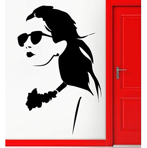 Wandaufkleber Vinylapplikation Mädchen in Brille Seniorendekoration 88x57cm