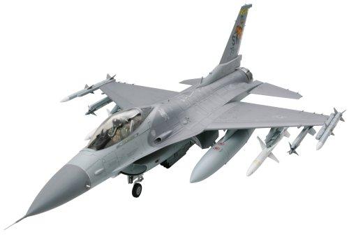 tamiya-300060315-modellino-aereo-di-combattimento-f-16cj-fighting-falcon-scala-132