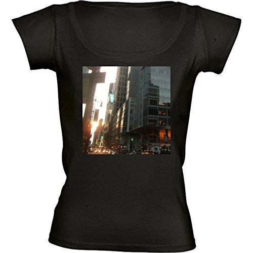 rundhals-schwarz-damen-t-shirt-gre-m-wolkenkratzer-in-hongkong-2-by-cadellin