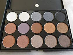 Mac 35 Shades Eyeshadow (03)