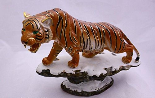 Feng Shui Tiger- Handgefertigt und Verziert chinesischem Porzellan, Figur 110111. Height x Width x Depth: 7.7 x 10.4 x 4.3 inches Orange - Porzellan Figuren Chinesische