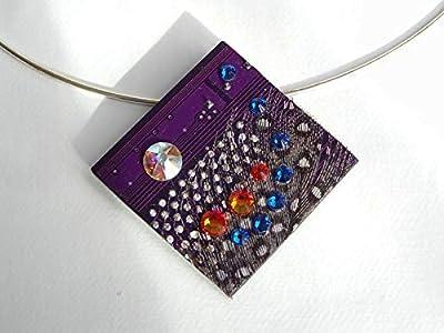 Speciimen - Bijou pour Femme en Circuit Imprimé Recyclé avec Cristal Swaroski - Pendentif Violet Carré - Exemplaire Unique Fait Main