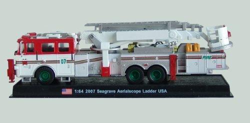 Seagrave Aerialscope Ladder Fire Truck Diecast 1:64 Model (Amercom GB-18) (Ladder Fire Truck Spielzeug)