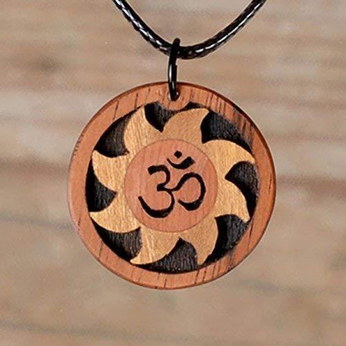 Holzschmuck aus Rosenholz und Zitronenbaumholz. Natürliche Farben. Indien. Das bekannte Om Symbol.