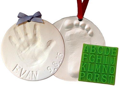 Baby Handabdruck Andenken Ornament Kit (macht 2) - Bonus-Werkzeug für personalisierte Babygeschenke. Ungiftiger Ton Kein Backen. 100% garantiert. (Kit Ornament Baby Handabdruck)