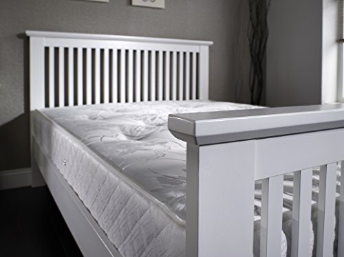 FurnitureDepot1 Traditional White Wooden Shaker Style Bed in 5ft King Size