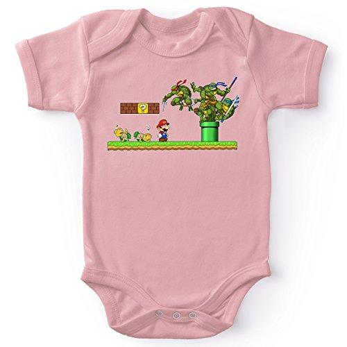 Okiwoki Body bébé (Filles) Rose Tortues Ninja - Mario Bros parodique Donatello, Michelangelo, Leonardo, Raphael et Super Mario : La Revanche des Tortues ! (Parodie Tortues Ninja - Mario Bros)