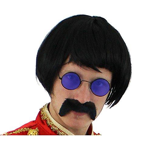 SUPER AKTUELLES 3 TEILIGES SERGANT PEPPER SET= VON ILOVEFANCYDRESS® = DIESES SET BEINHALTET EINE SCHWARZE BOB POPGRUPPEN PERÜCKE +EINEN SCHWARZEN SELBSTKLEBENDEN SCHNURRBART UND EINE RUNDE HIPPIE BRILLE IN DER FARBE (Kostüm Sgt John Peppers Lennon)
