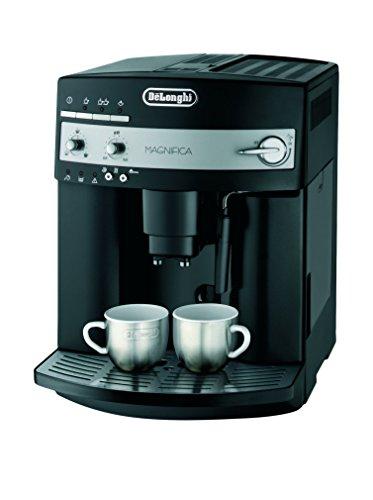 De\'Longhi Magnifica ESAM 3000.B Kaffeevollautomat | Großer 1,8 L Wassertank | 15bar Pumpendruck | Milchschaum-Düse | 13-stufiges Kegelmahlwerk |  Herausnehmbare Brühgruppe | 2 Tassen Funktion | Schwarz