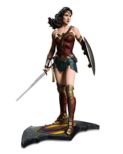 Wonder Woman Statue aus DC Comics NOV150319: Batman Vs Superman (Dc Comics-superman-statue)