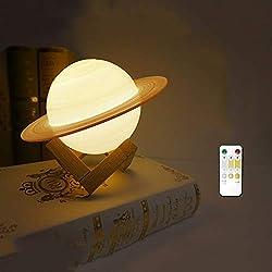 KJRJYD Nachtlicht for Kinder Saturn-Lampe LED 5,5 Zoll 3D-Druck Stern-Saturn-Licht mit Stativ, Freunde Fernbedienung und USB aufladbare Baby-Licht perfekte Geburtstags-Feiertags-Geschenk for Liebhaber