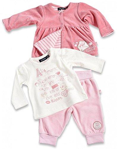 BLUE SEVEN Baby Mädchen Nicki-Set 3-teilig LOVE LETTERS 473002 (Nicki-Jacke, Shirt, Nicki-Hose) in lachs und rosa Größe 62