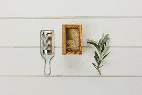 Naturally med - grattugia piccola per parmigiano/noce moscata con contenitore in legno di ulivo