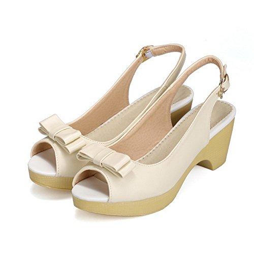 AllhqFashion Damen Schnalle Mittler Absatz Pu Leder Gemischte Farbe Fischkopf Schuhe Sandalen Cremefarben