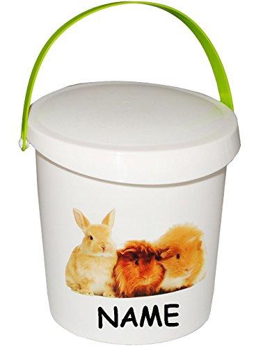 """Futterdose / Futterbox - """" süßer Hase & Meerschweinchen """" - incl. Name - für Tierfutter - Kleintierfutter - 2 Liter - Vorratsdose / Aufbewahrungsbox - aus Kunststoff / Dose - Kiste mit Deckel und Tragegriff - Box & Kiste - Haustiere - Nagetiere / Hausmeerschweinchen - Hamster - Tierfutterdose - Trockenfutter / Behälter - Plastikdose - Aufbewahrung - Kaninchenfutter / Hamsterfutter / Meerschweinchenfutter"""