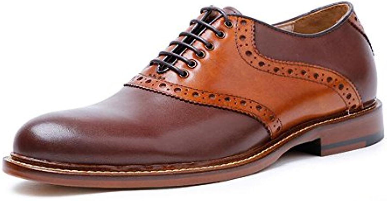Zapatos de cuero real de los hombres clásicos de Oxford con suelas de cuero. Zapatos de moda de costura de cuero...